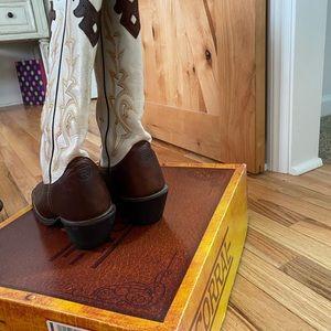 Women's Tony Lama boots.